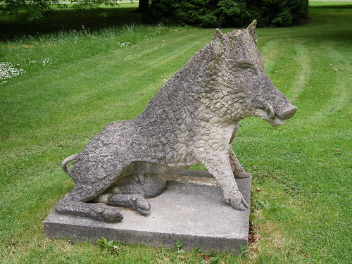 Stone boar - Cottesbrooke Hall