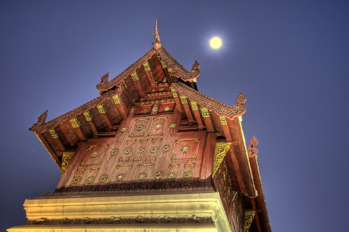 Moon Over Hor Trai