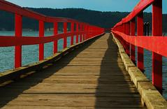 (Jos_MiguelR) Tags: wood red sea sky canada color water muelle mar dock rojo nikon britishcolumbia cielo perspectiva saltspringisland puntodefuga colorphotoaward seenonflickr