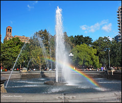 Nothing to Hide (Photography by Claudia Fanelli) Tags: park parque water fountain arcoiris rainbow village fuente 1855mm polarizer greenwichvillage kermitthefrog canon50d rainbowsarevisionsbutonlyillusions rainbowshavenothingtohide