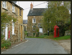 Lower Heyford - Oxfordshire (Isisbridge) Tags: road street old uk red england house building english stone architecture rural village phone post box britain telephone country icon lane british kiosk oxfordshire k6 cotswold cdp freeholdstreet lowerheyford