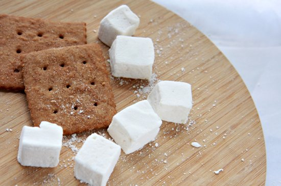 S'mores: Homemade Graham Crackers and Marshmallows