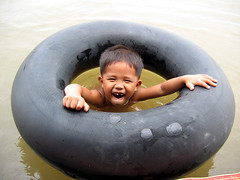 CAMBODIA KOCH DAT 2004 001 (Devimeuxbe) Tags: portrait smile childhood children asia cambodge cambodia child head enfant indochine devimeux
