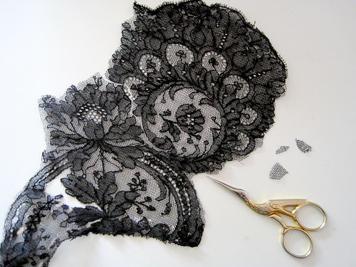MacQueen Cushion #1: Lace Applique