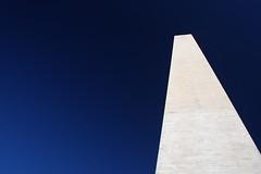 What Happened to Your Vison, Abe? (McDaveHamburg) Tags: blue sky usa white monument washingtondc heaven unitedstatesofamerica himmel filter obelisk blau abe polarizer amerika weiss perfekt abrahamlincoln themall flawless polfilter vereinigtestaaten