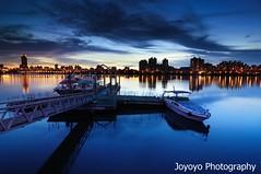 (joyoyo) Tags: city longexposure sunset bw reflection water river landscape boat twilight nikon taiwan surface tokina sd wharf if pro taipei   1224mm  f4 tamsui dx atx  danshui   ndfilter d90  wideanglephotography neutraldensityfilter nd64 longexposurephotography t124 timeexposurephotography tokinaatx124afprodx1224mmf4 ultrawidelens   nd106 joyoyo tokinat124 bwnd106 bwnd64