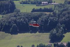 Zweimotoriger Schwerlast - Helikopter von Heliswiss Kamov KA-32A12 (HB-XKE) über dem Flugplatz Bern Belpmoos in der Schweiz (chrchr_75) Tags: hurni christoph schweiz suisse switzerland svizzera suissa swiss kanton bern berne berna bärn kantonbern flughafen bernbelp belpmoos internationale belpmoostage flugmeeting flugshow chrchr chrchr75 chrigu chriguhurni 1106 juni 2011 woche24 chriguhurnibluemailch juni2011 albumzzz201106juni helikopter helicopter helikopteri hélicoptère elicottero helicóptero heli albumhelikopterinderschweiz