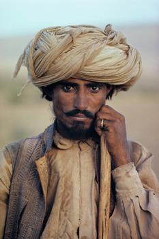 PAKISTAN-Farmer-1980-w