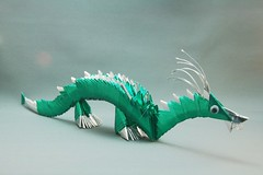Dragão verde em origami 3D