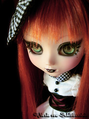 Mekare. (Nuria von Schlotterstein) Tags: red green make up eyes gothic von pullip custom jun planing mekare schlotterstein