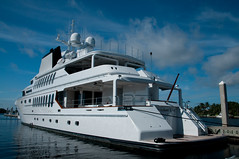 """Triumphant Lady"" - Motor Yacht (Timothy Wildey) Tags: motoryacht intercoastalwaterway fortlauderdalebrowardcounty"