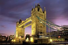 Tower Bridge 2009 (Stuart Stevenson) Tags: uk longexposure bridge sunset england motion london thames night clouds towerbridge twilight nightlights canon300d tourist stuart stevenson 18mm londonist famouslandmark endofseptember stuartstevenson amazinghowmanypeoplewalkuptoyouandaskwhatyourdoing