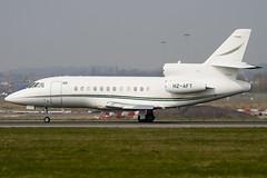HZ-AFT - 21 - Saudi Arabian Airlines - Dassault Falcon 900B - Luton - 090403 - Steven Gray - IMG_2999