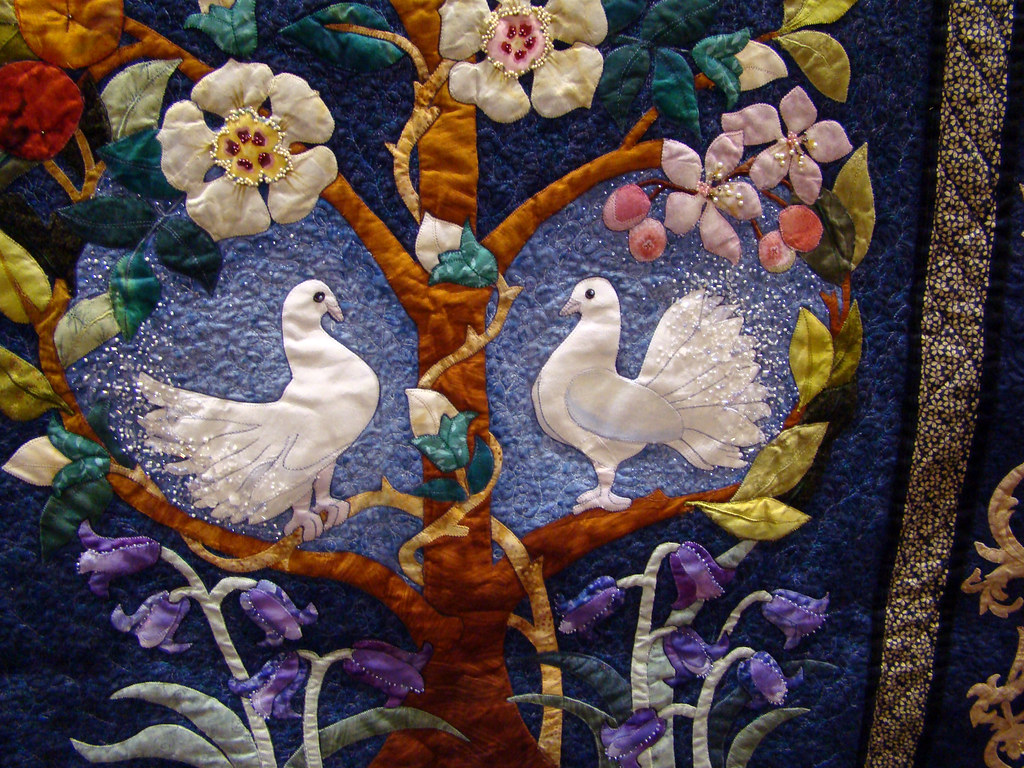 DSC02729 Quilt 2591 The Beauty of Life dove detail