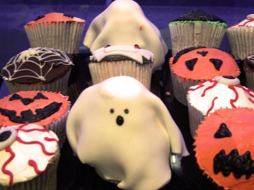 Beas ghost cupcakes