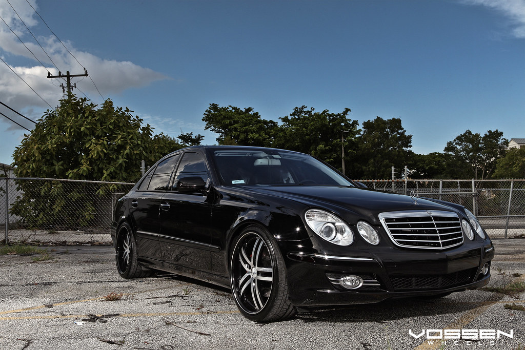 All Blacked out Benz E550 on New VVS-085 - Teamspeed com