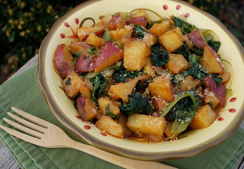 Paprika Potatoes with Escarole uto