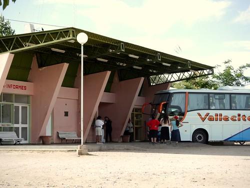 Terminal de Valle Fértil, de día (by morrissey)