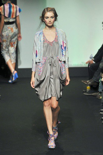 Tsumori Chisato Spring-Summer 2010 - Draping Fail