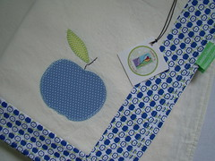Mazinha (Carina Esteves) Tags: apple handmade feitomo placemat fabric placemats ma tecido jogoamericano carinaesteves