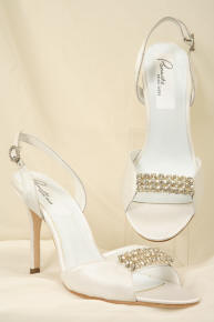 Wedding shoe laces and decorated with rhinestone.