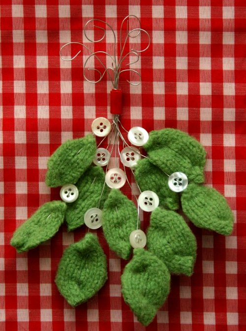 felted wool mistletoe