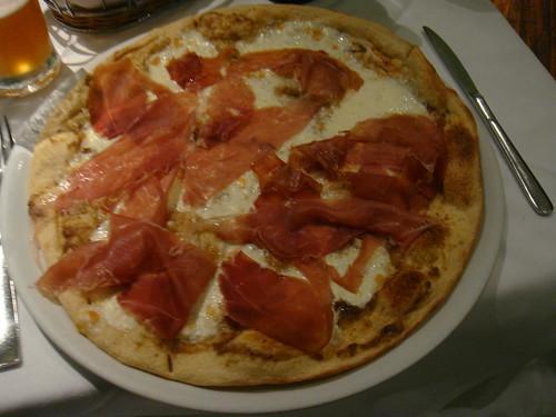 Pizza de Prosciutto de Parma sobre base de queso