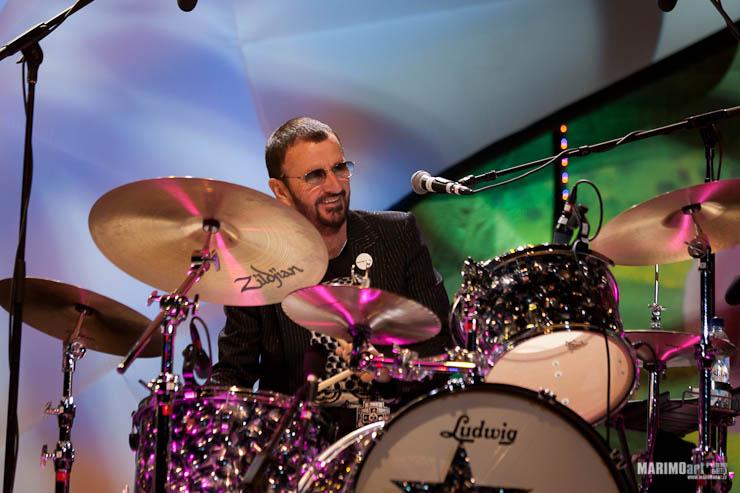 Ringo Starr Concert in Riga 2011-24.jpg