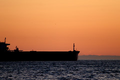 Ship at Sunset (Elsbro) Tags: beach vancouver seawall englishbay stanleypark lionsgatebridge thirdbeach prospectpoint