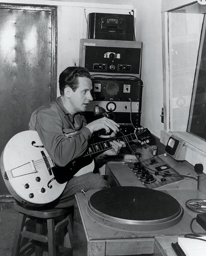 Les Paul in his home studio