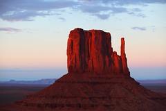 West Mitten (i.werks) Tags: sunset vacation arizona sky southwest canon utah desert august monumentvalley johnwayne westmitten 70200l 5dmkii