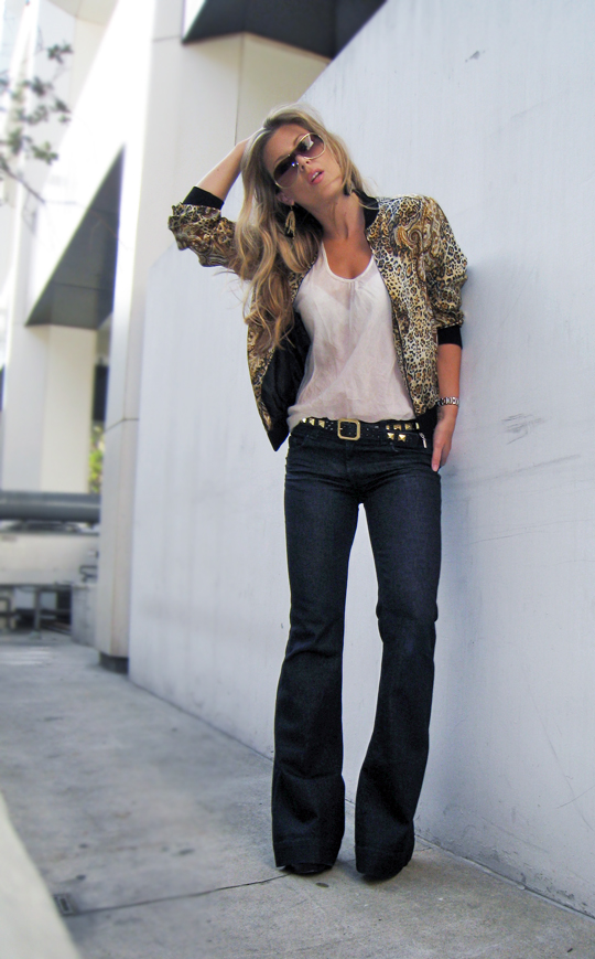flared jeans, j brand jeans, love story jeans, vintage versace like silk bomber jacket, studded belt, black-gold-lovestory-jeans-