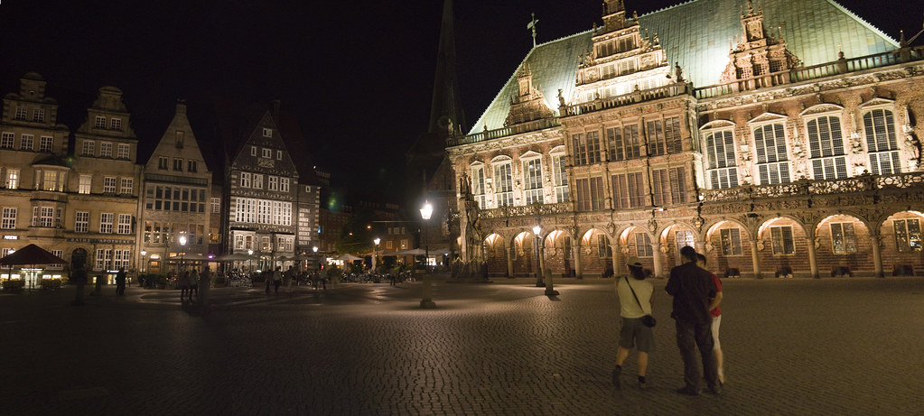 Bremen: Rathaus Panorama at Night