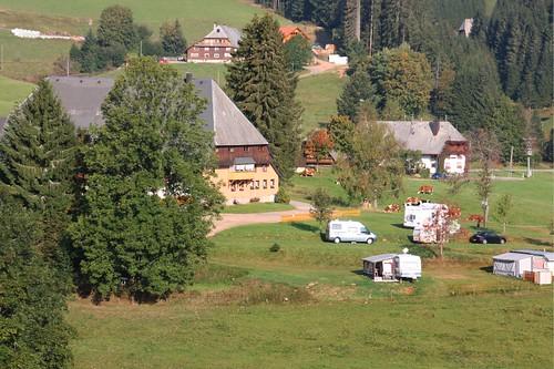 Blick auf den Michelhof mit Stellplatz