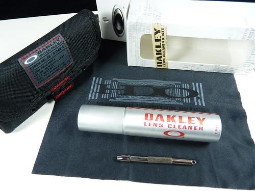 oakley cleaning kit