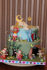 In the Night Garden cake (Andrea's SweetCakes) Tags: moon clouds stars bugs birthdaycake cave snails upsydaisy inthenightgarden makkapakka igglepiggle