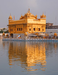 Golden reflexion (msdstefan) Tags: pictures trip travel vacation sky panorama india lake holiday temple gold see asia asien pics urlaub nikond50 best sikh punjab pilger rtw indien amritsar pilgrim nicest goldentemple tempel heiliger goldenertempel superaplus aplusphoto thisphotorocks earthasia flickrestrellas worldtrekker oltusfotos saariysqualitypictures reflectsobsessions expressyourselfaward platinumbestshot platinumpeaceaward travelsofhomerodyssey mygearandmepremium mygearandmebronze mygeara