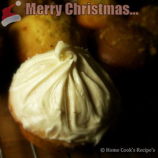 Vanilla cupcakes with vanilla icing