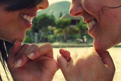 I'll Promise (Ai in Technicolor) Tags: sun beach girl smile hands mare sister fingers mani sole promise amicizia promessa ragazze sorrisi sorelle unghia parentela migolo