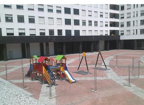Parque Intantil. Plaza Burtzeña II.Barakaldo