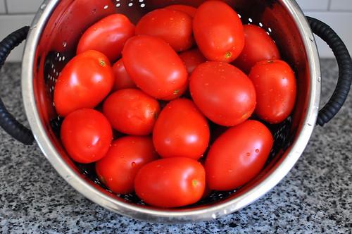 Scott Conant's Spaghetti with Tomato and Basil Sauce
