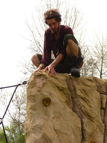 rock-wall-outside-romsey-4