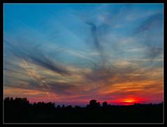Boom! / Bumm! (FuNS0f7) Tags: sunset hungary boom szolnok sonycybershotdscf828 cloudslightningstorms alcsisziget