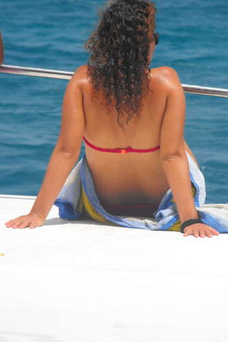 Mujer y mar de Bahayibe