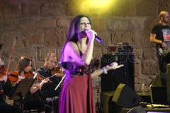 EXCLUSIVE: Elissa's high quality pictures in Carthage Festival 2009 | :      (Elissa Official Page) Tags: pictures festival high quality elissa 2009 exclus