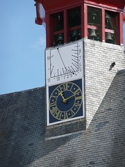 Sundial at Town Hall Damme (B) (berendbotje54) Tags: belgium sundial damme