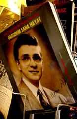 feci dargnm:)) (nilgun erzik) Tags: istanbul taksim sahaf kitap zekimren fotografkraathanesi kitap fotografca biyerlerde eylul2009 yazhalabitmedi