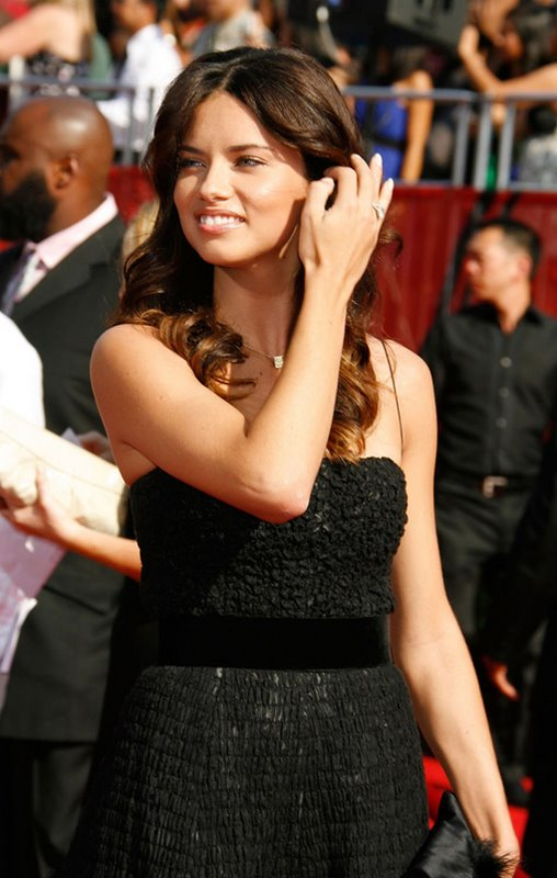Brazilian Supermodel Adriana Lima' 2008 ESPY Awards Photos - beautiful girls