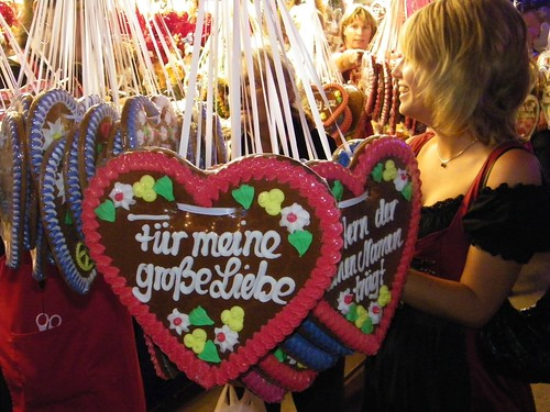 Lebkuchen heart c/o Cake Gumshoe Megan