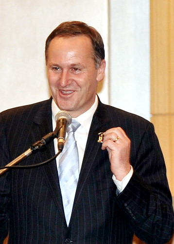 Kuala Lumpur 26/10/2009 New Zealand Prime Minister John key, shown his 1malaysia badge while giving his speech after witnessed the FTA signing ceremony  between malaysia & New Zealand at the Hilton KL hotel. Pic by osman adnan